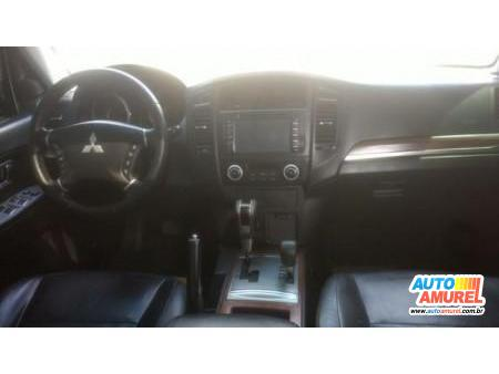 Mitsubishi - Pajero HPE 3.2 4x4 TB Int. Diesel 3p Aut