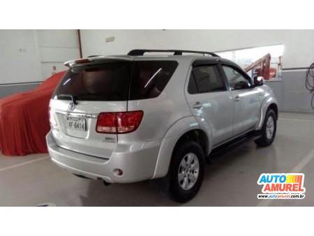 Toyota - Hilux SW4 4x4 3.0 8V TB Diesel