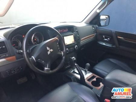 Mitsubishi - Pajero HPE Full 3.8 V6 250cv 3p Aut.