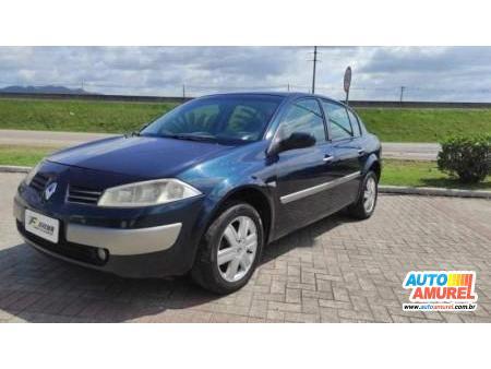Renault - Megane Sedan Dynamique Hi-Flex 1.6 16V
