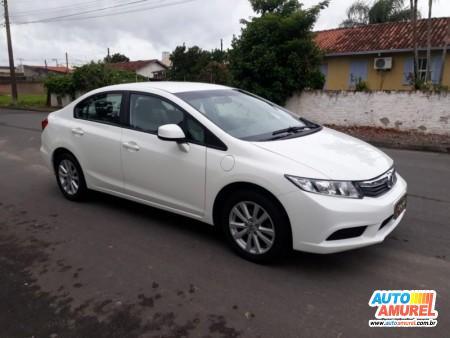 Honda - Civic Sedan LXS 1.8 16V 140cv Aut. 4p