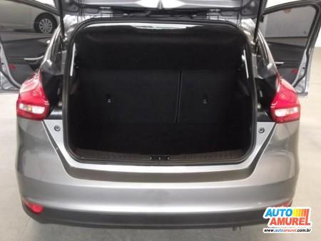 Ford - Focus Hatch SE 1.6 16V