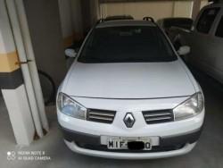 Renault - Megane Grand Tour Dynamique Hi-Flex 1.6 16V