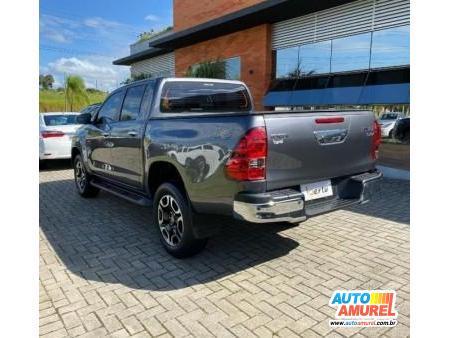 Toyota - Hilux CD SRV 4x4 2.8 TDI