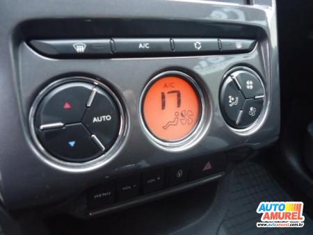 Citroën - C3 Attraction 1.5 Flex 8V 5p